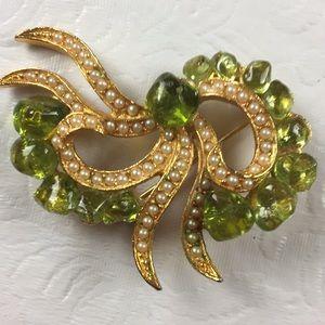 Dubarry fifth avenue DFA green pearl brooch